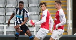 Arsenal beat Newcastle 2-1 at St James' Park