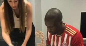 Toure signs document returning him to Olympiakos
