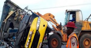 Scene of the accident on the Lagos Ibadan expressway