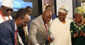 LASU VC, Prof. Makanjuola, Oba Rilwan Akiolu of Lagos, Gov. Ambode and the Makanjuola's