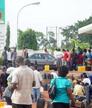 Fuel queues
