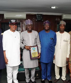 APC guber candidate, Sanwo-Olu, his running mate, Dr. Hamzat flanked by other members of the club