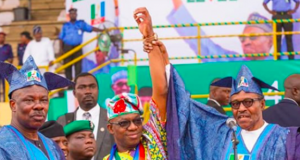 L-R: Governor Ibikunle Amosun; Governorship candidate of the All Progressives Congress, Dapo Abiodun and President Muhammadu Buhari at the rally in Abeokuta.