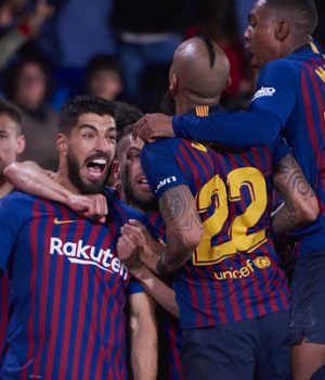 Barcelona celebrate 4-4 draw with Villarreal