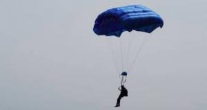 Parachutting