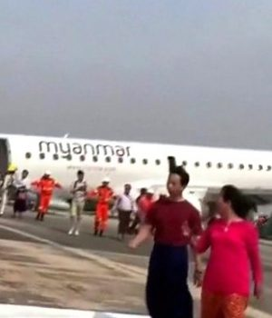 Pilot in Myanmar lands plane without front wheels