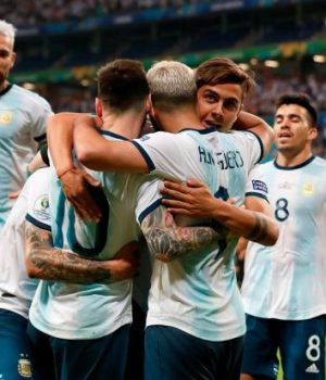 Argentina celebrate 2-0 victory against Qatar