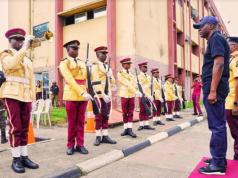 Gov. Sanwo-Olu inspecting LASTMA guard
