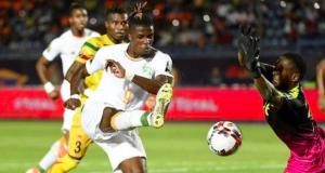 Zaha fires Ivory Coast into Afcon QF