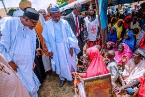 Buhari with IDPs