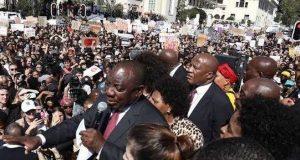 President Cyril Ramaphosa booed at Mugabe's funeral
