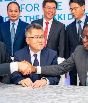 Gov. Sanwo-Olu with Chinese investors in the Lekki Port LFTZ Enterprise Limited