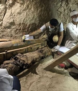 Egypt discovers ancient tomb, workshops in Luxor
