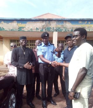 President Igbanke General Union (Worldwide), Engr. Usiagwu Arthur Osaretin with other leaders during the donation of patrol vehicle to the divisional headquarters