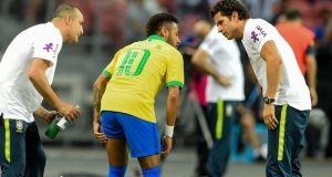 Neymar limps off Nigeria/Brazil friendly
