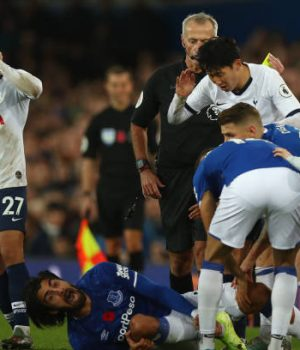 Andre Gomez suffers ankle injury in Everton-Spurs draw