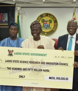Gov. Sanwo-Olu presents a N250m cheque to LASRIC officials