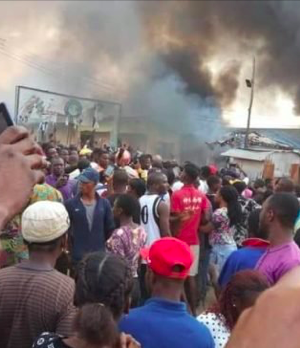 Irate youths setting ablaze a church in Akure