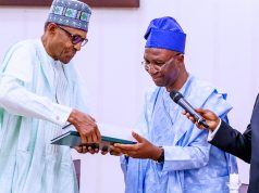 President Buhari receives copies of judgement of the presidential election petitions tribunal from Lead Counsel of his legal team, Chief Wole Olanipekun, SAN