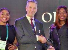 Marno de Jong, Vice President, Shell Nigeria (middle) presenting the Oil and Gas Banker of the Year 2019 award won by First Bank of Nigeria Limited