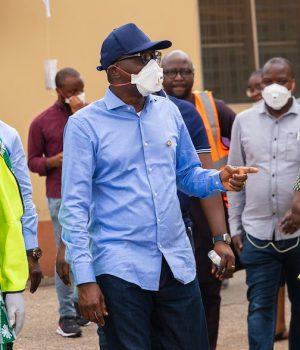 Prince Gbadebo Lawal and Gov. Sanwo-Olu at the COVID-19 Emmergency food market