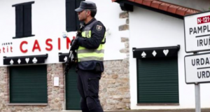 Spanish police guard the border with France near the village of Dantxarinea