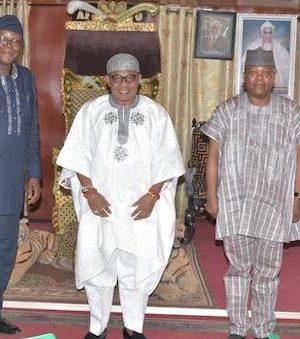 FUTA delegations at the Deji of Akure's palace