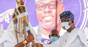 Gov. Sanwo-Olu installing the new Oniru, Oba Gbolahan Lawal