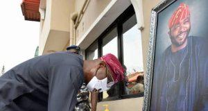 Gov. Sanwo-Olu signs the condolence register