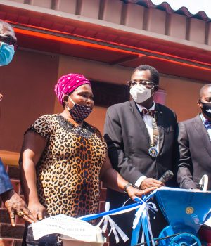 IPP, Rotarian OIumuyiwa Fagbola, Funke Adejuwon (Beneficiary), President, Rotarian Dotun Lampejo, Governor, Rotary International District 9110, Bola Oyebade and Service Project Director, Col. Jide Olayinka (rtd.) during the empowerment program of Rotary Club of Ikeja, District 9110 on Monday