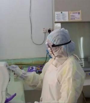 Scientist in COVID-19 lab