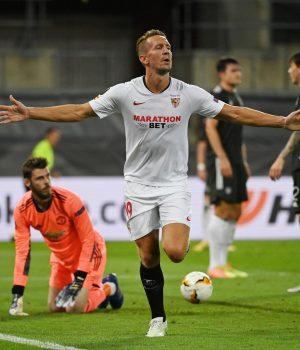 Sevilla beat Man United