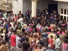 Sympathizers at Kashamu's burial