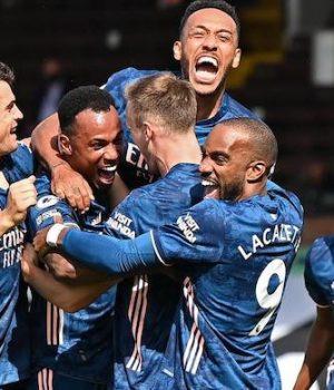 Arsenal beat Fulham in season opener