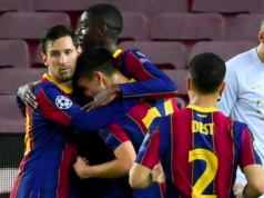 Messi and teammates celebrate