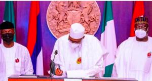 President Buhari sign the 2021 Budget