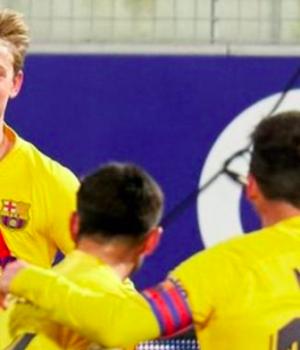 Barcelona team celebrate lone victory against Huesca